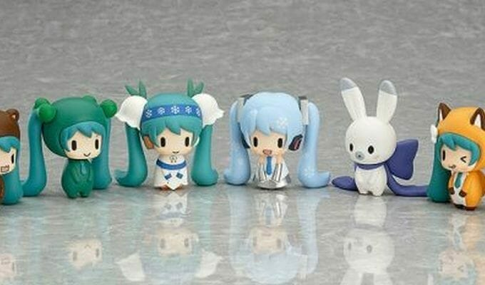 Snow Miku Gets Adorable Gashapon Toys