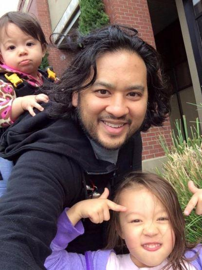Eric Medalle and his daughters. Image Credit: Gamespot