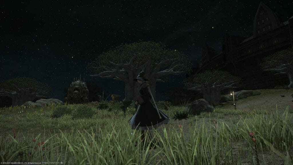 Skye Grandeterre, Duskwight Elezen in Final Fantasy XIV, runs across the plains of Central Thanalan on the Zalera server.