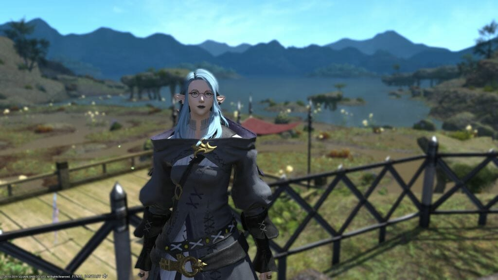 Skye Graneterre, a Duskwight Elezen, stands in Gridania' South Shroud in Final Fantasy XIV