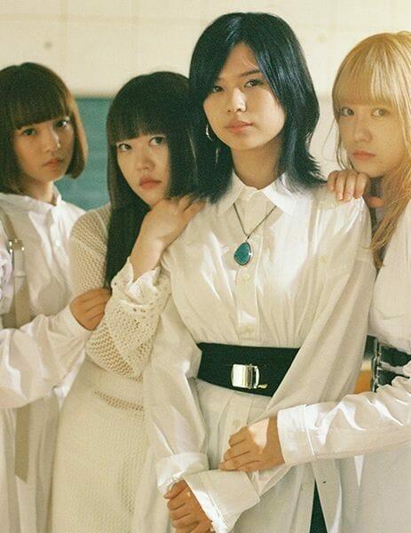 GIRLFRIEND Group Photo