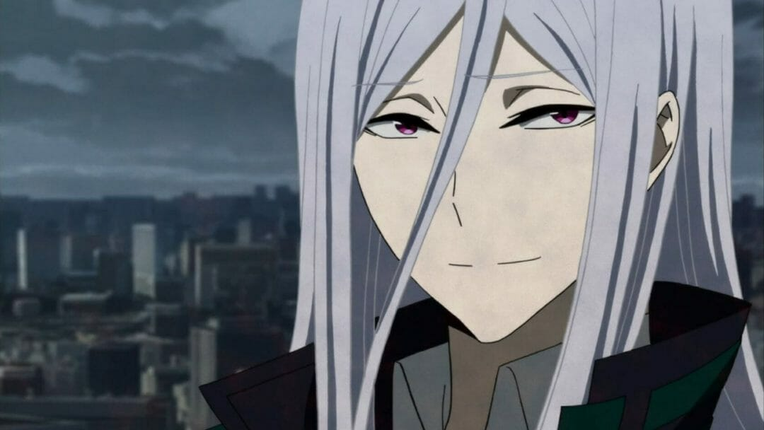 Hamatora Anime Still - A silver-haired man smiles at the camera.